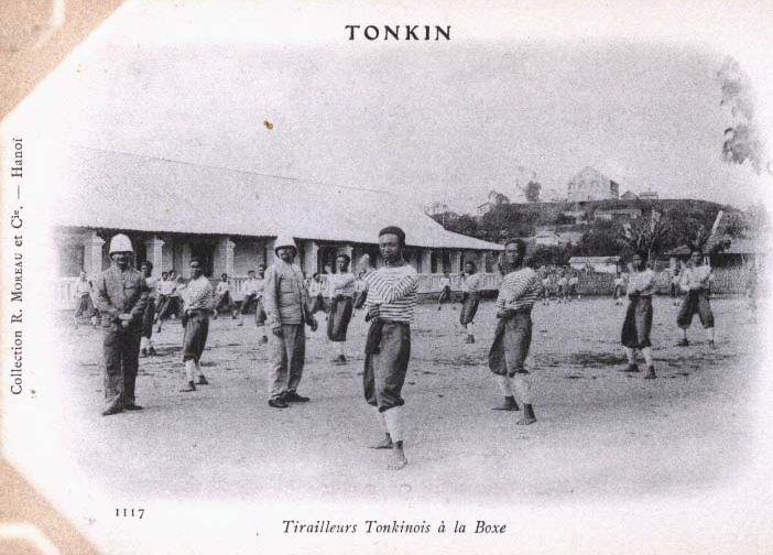 tirailleurs_tonkinois_ala_boxe.jpg (67461 octets)