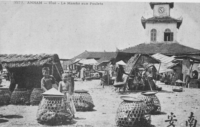Hue_marche_aux_poules.JPG (64491 octets)