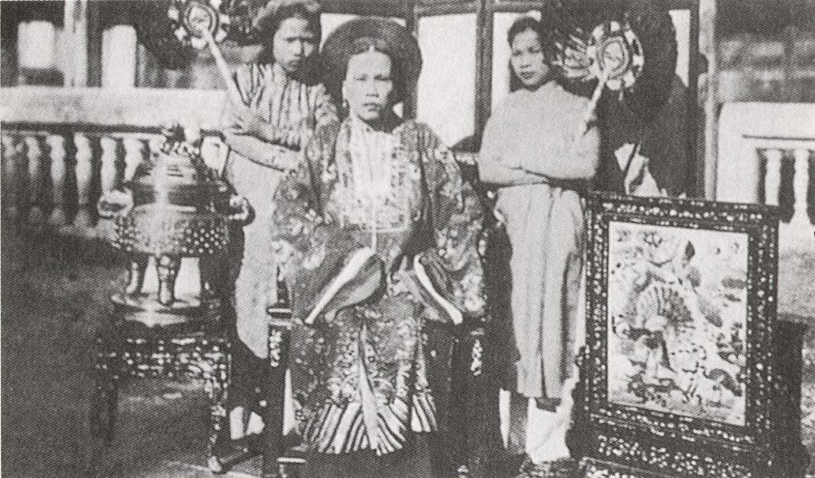 Hoang Thai Hau trieu Nguyen.jpg (134306 octets)