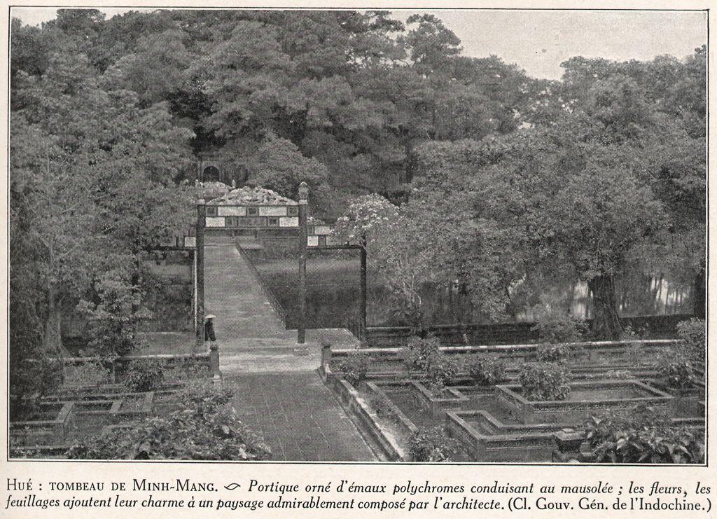 Hue, tombeau de Minh Mang.jpg (216339 octets)