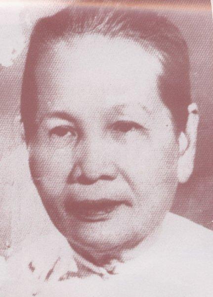 Thu-phi-Nguyen-Thi-Dinh.JPG
