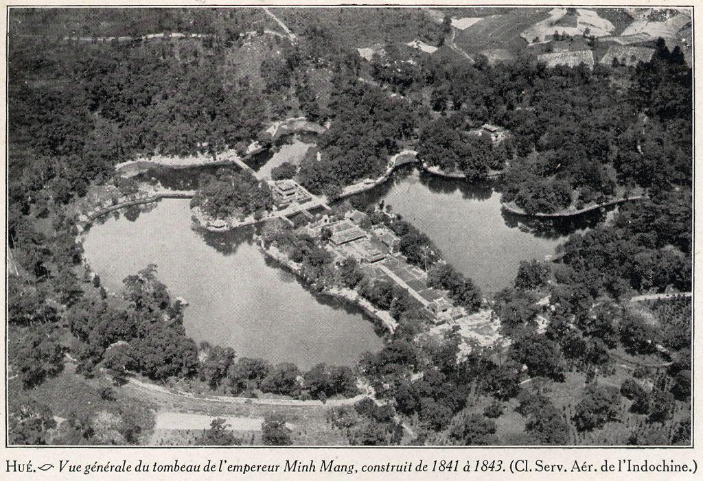 tombeau de Minh Mang.jpg (218903 octets)