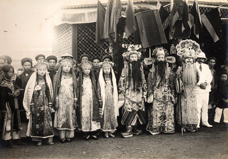troupe_theatrale_de_Nam-Dinh.jpg (159569 octets)