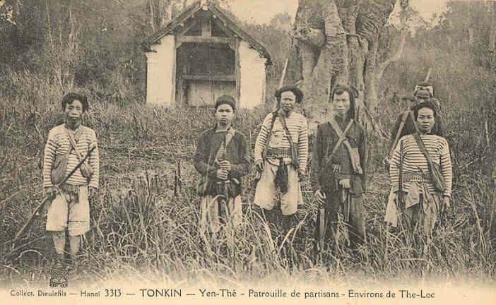 YenThe_patrouille_de_partisans.jpg (83633 octets)